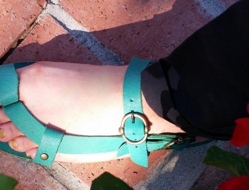 Yepyeni Sandaletler!